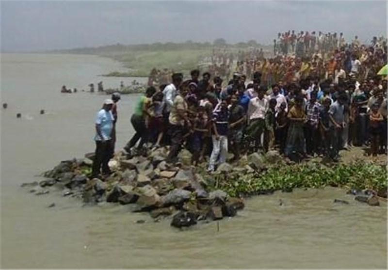 4 کشته و 25 مفقود درپی واژگونی قایقی در شرق هند