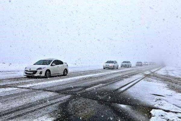اینفوگرافیک ، چگونه در برف رانندگی کنیم؟