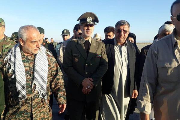 بازدید وزیر دفاع از مناطق سیل زده دشتیاری چابهار