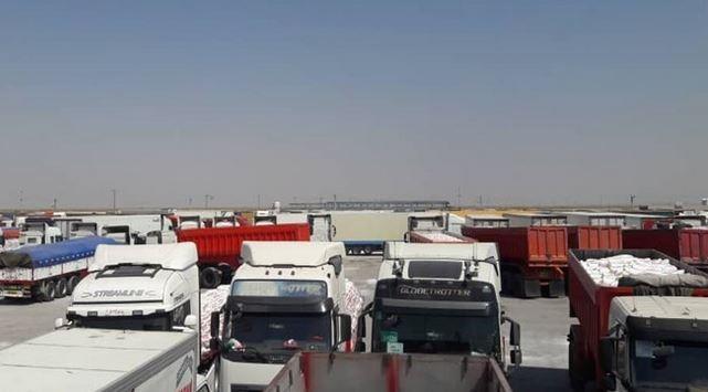 بسته شدن مرز مهران و معطلی هزار کامیون صادراتی