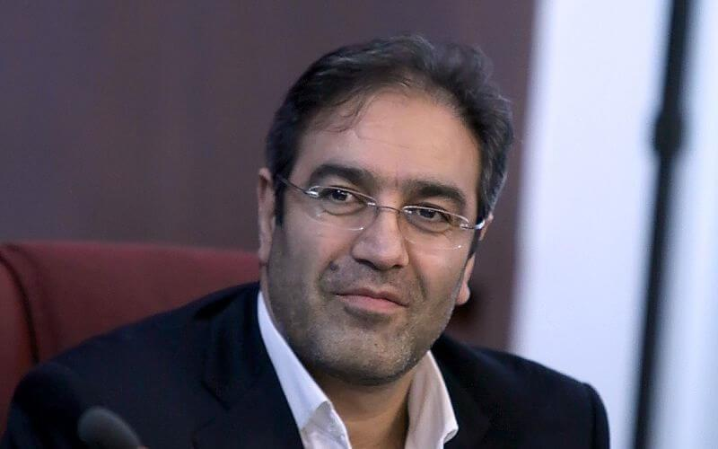 شاپور محمدی دقیقا در بورس چه کرد؟