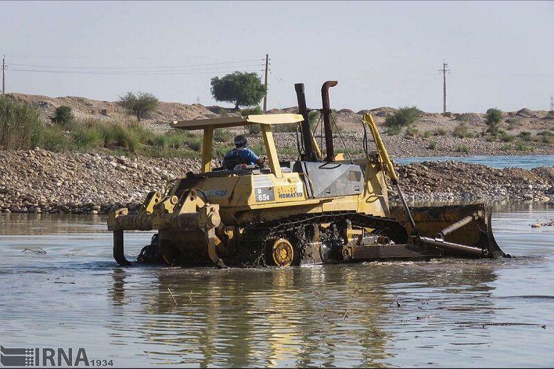 خبرنگاران لایروبی 33 هکتار از آب بندان های آستارا