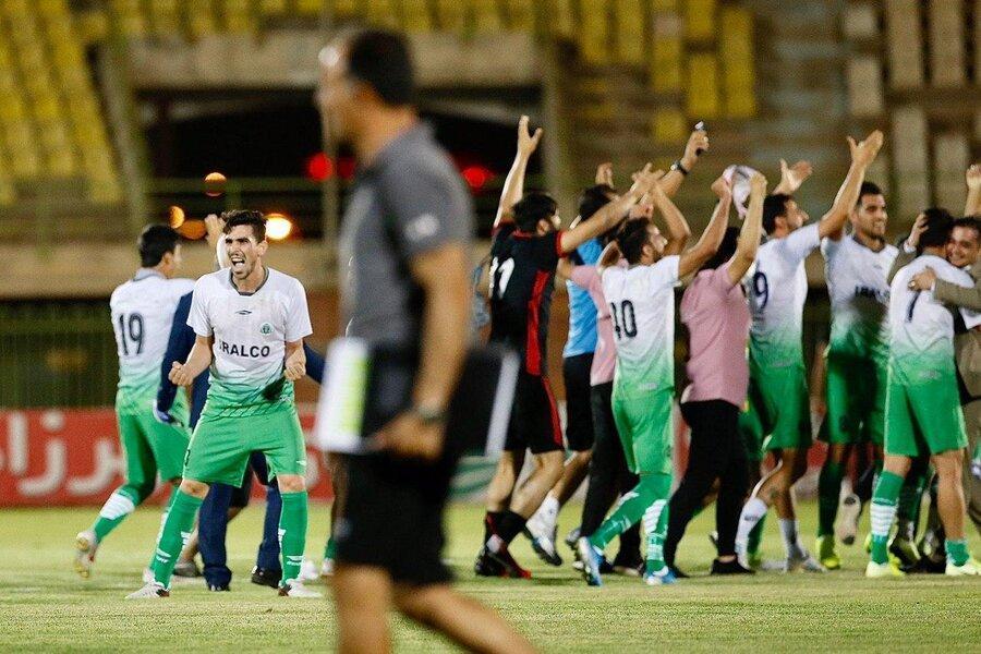 لیگ دسته اول فوتبال باشگاه های کشور ، آلومینیوم اراک به لیگ برتر صعود کرد