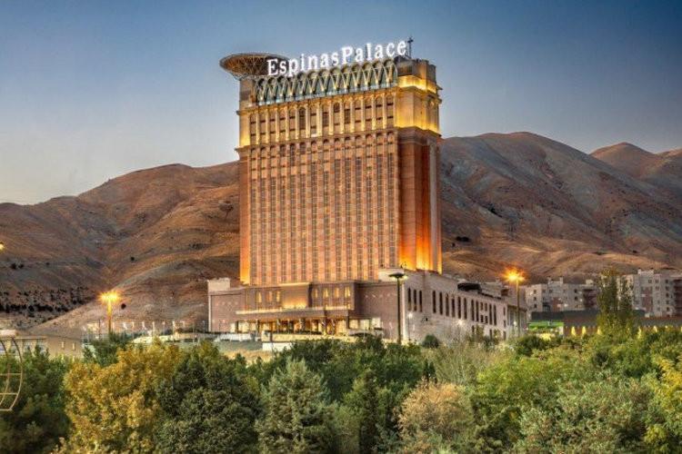 آشنایی با هتل اسپیناس پالاس تهران