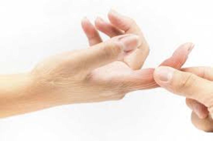 علت سوزش و درد در انگشتان دست و پا یافت شد علت سوزش و درد در انگشتان دست و پا یافت شد